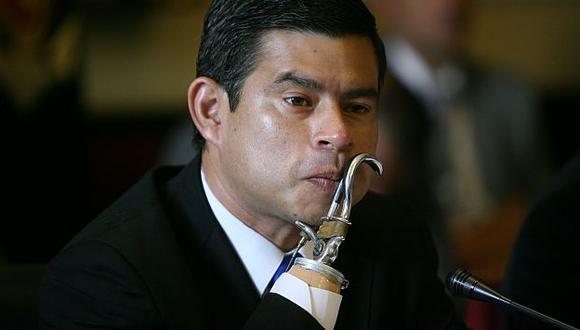 El legislador Luis Galarreta pide explicaciones. (David Vexelman)