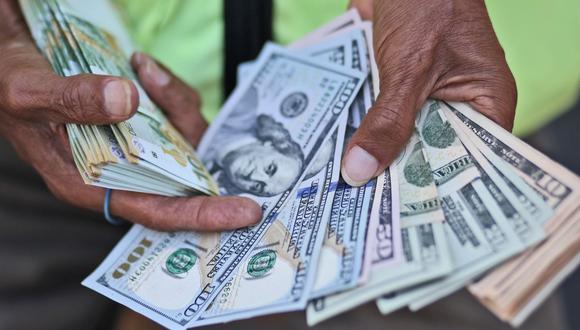 En el mercado cambiario, el dólar subió hasta S/3.309. (Foto: USI)
