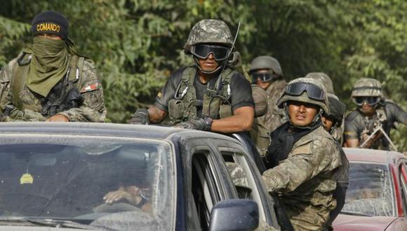 SIN EQUIPOS. Policía revela las malas condiciones en que luchan. (Alberto Orbegoso)