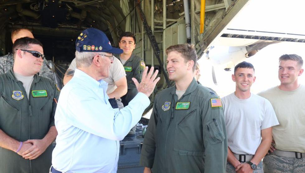 PPK agradece a tripulantes de aviones Hércules procedentes de EE.UU. (Presidencia)