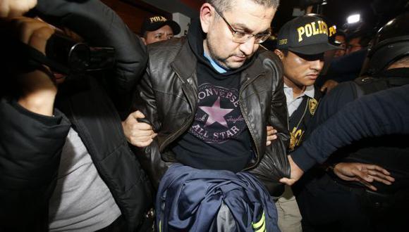 """Walter Ríos, ex presidente de la Corte del Callao, pidió """"10 verdecitos"""" a aspirante a fiscal. (Perú21)"""