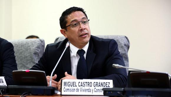 El congresista de Fuerza Popular, Miguel Castro, reveló que es uno de los testigos protegidos del fiscal José Domingo Pérez. (Foto: Congreso)