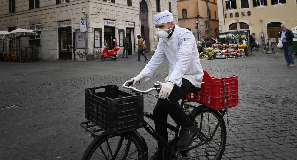 El coronavirus en Italia ha dejado ya 827 fallecidos y el número de contagios totales son 12.462, contando con los curados, los enfermos actualmente y los muertos, según los datos de Protección Civil. (AFP).