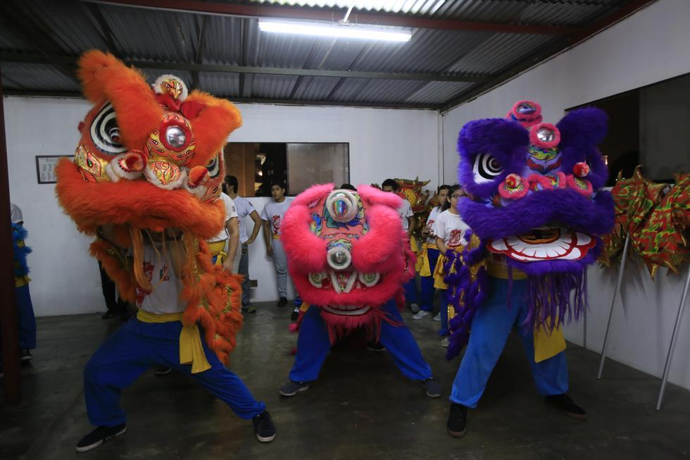 En la tradición china, los leones son quienes escoltaron a Buda cuando llegó a la ciudad. (Foto: Jessica Vicente)