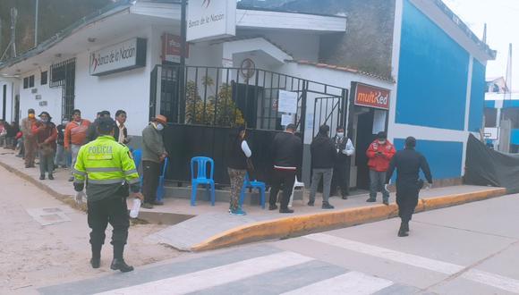 Beneficiarios del Bono 380 también podrán cobrar mañana en 22 agencias del interior del país.
