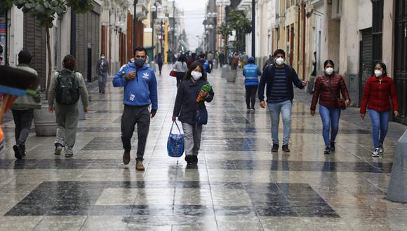 El informe incluye una estimación del número de fallecidos en caso de que se dé una tercera ola de la enfermedad. (Fotos: Eduardo Cavero /@photo.gec)