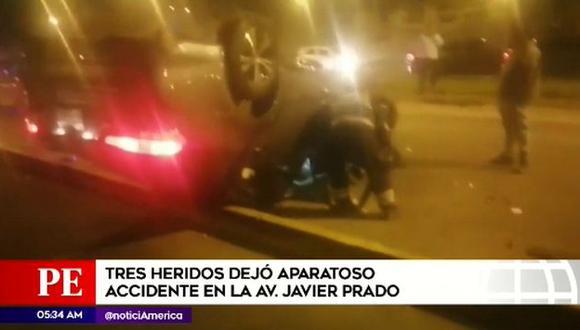 El hecho ocurrió esta madrugada en la cuadra 36 de la Av. Javier Prado. (Captura: América Noticias)