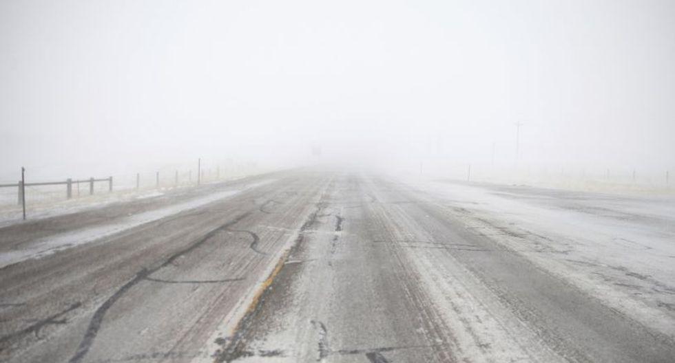 El Distrito Regional de Transporte (RTD) anunció la cancelación de sus servicios, ya que la nieve no permite la circulación de autobuses ni trenes.(Foto: AP)