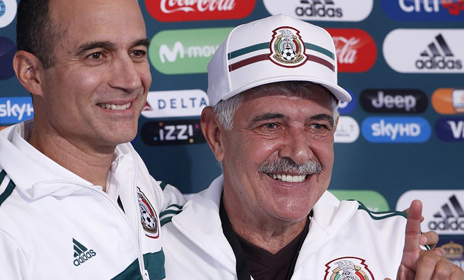 Ricardo Ferretti cerca de ser el entrenador oficial de México. (Foto: AP)