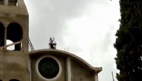 Huánuco: sacerdote realiza misas desde el techo de la Iglesia (Foto: captura de pantalla)