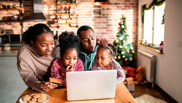 Hay maneras de conmemorar esta importante fecha sin exponer la salud de los padres de familia. (Getty Images)