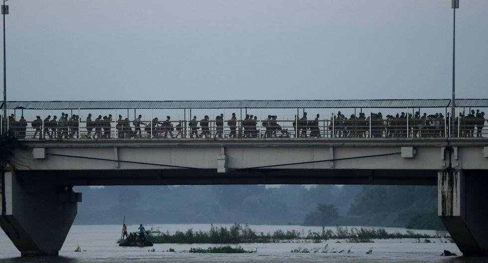 Centroamericanos entre el sueño y amargura en la frontera de México con Guatemala. (Foto: AP)