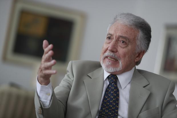 Exviceministro Eduardo Ponce Vivanco.