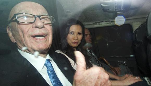 Texto alega que Murdoch engañó intencionadamente al Parlamento. (Reuters)