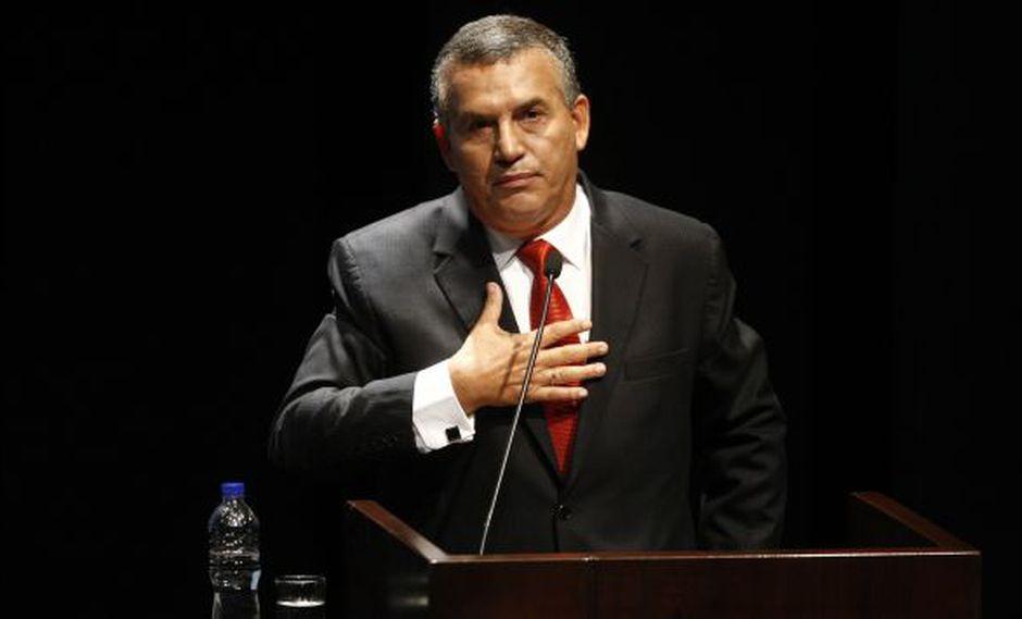 Daniel Urresti recibió críticas por calificar de explotación trabajar el 24 de diciembre. (Anthony Niño de Guzmán)
