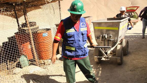 Se prevé entregar 1,800 constancias de calificación de Pequeño Productor Minero. (Foto: GEC)