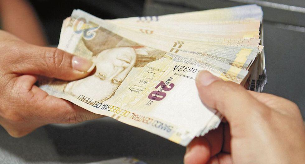 Huancavelica: Defensoría pide investigar presuntas irregularidades en el cobro de bonos de S/380