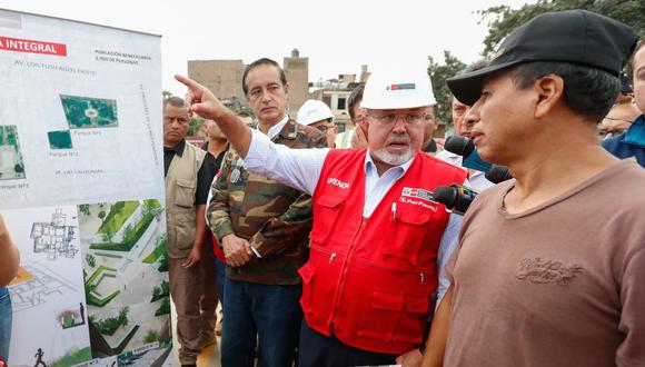 Carlos Bruce inspeccionó zona afectada por aniego en San Juan de Lurigancho (Video: Canal N)