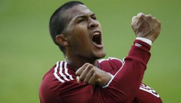 El volante de Tomás Rincón es pieza fundamental en el equipo de Venezuela. (EFE)