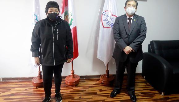 El contralor Nelson Shack se reunió con la presidenta de Somos Perú y sus principales dirigentes. (Foto: Contraloría)