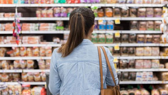 Leche deslactosada y galletas son algunos de los productos que deberías retirar de tu dieta diaria.
