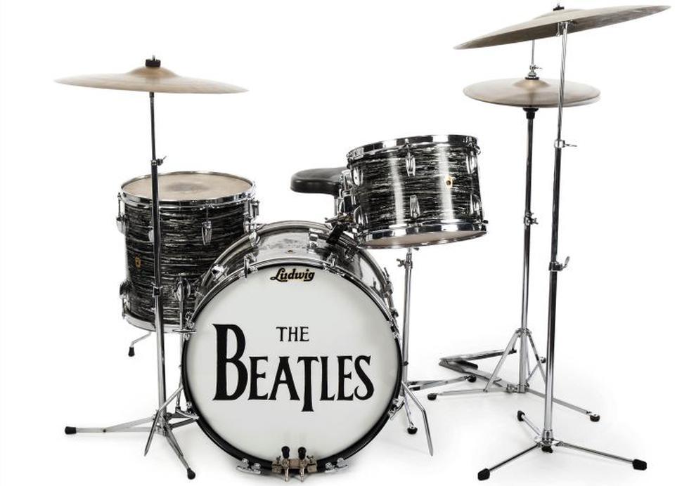 La primera batería Ludwig Oyster Black Pearl que usó Ringo, adquirida en 1963; la usó en más de 200 shows. (AP)