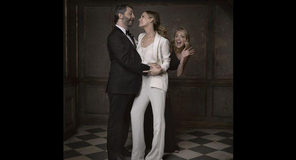 Photobomb de la modelo y actriz Kate Upton a Judd Apatow y Leslie Mann. (Cuenta de Vanity Fair en Instagram)