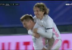 Real Madrid vs. Barcelona: Kroos de tiro libre y un desvío en el camino para hacer el 2-0 | VIDEO
