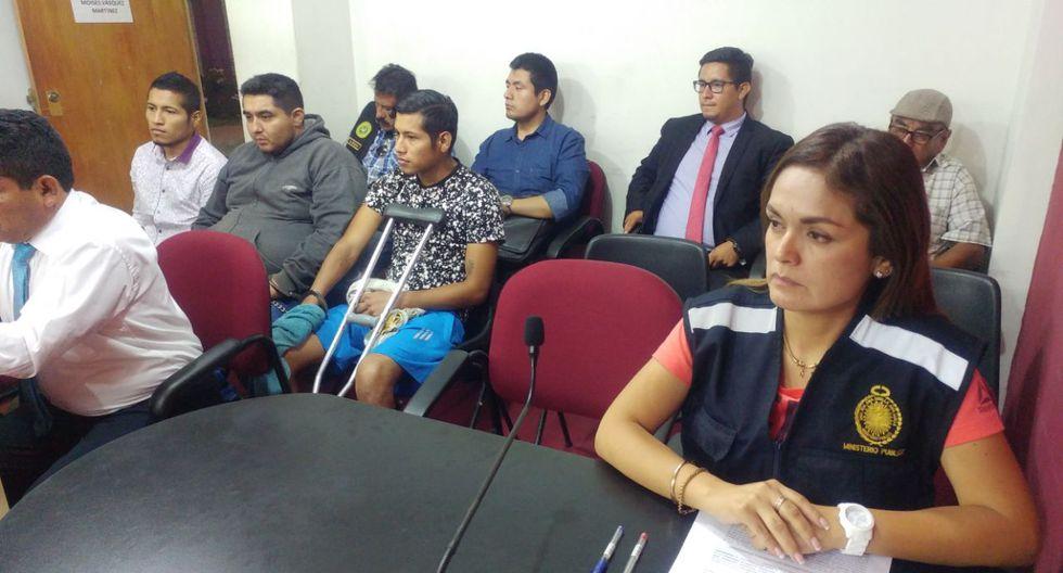 Richard Calderón (izquierda) confesó que mató a su es pareja. A sus presuntos cómplices, su hermano gemelo Ronald Calderón y Luis  Taramona,  se les otorgó comparecencia simple.