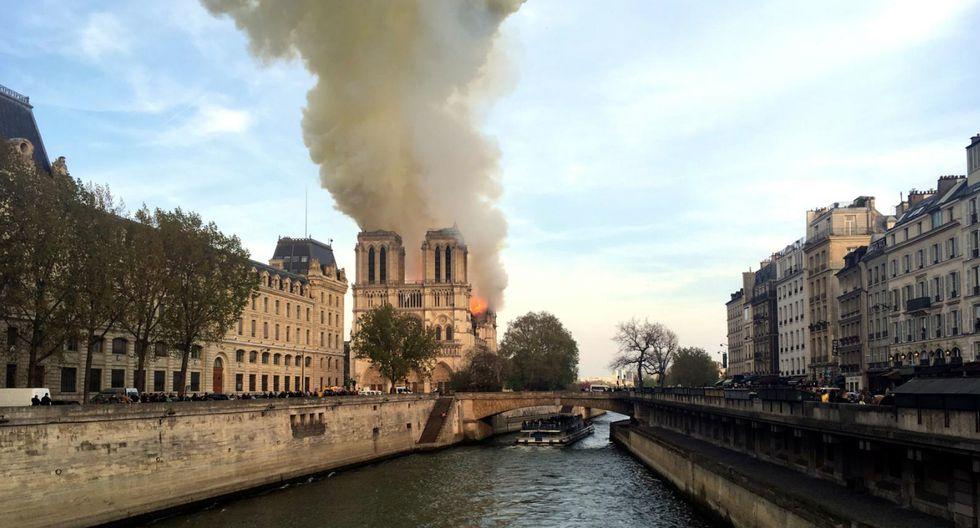 El lamentable incendio de Notre Dame en imágenes. (AP)