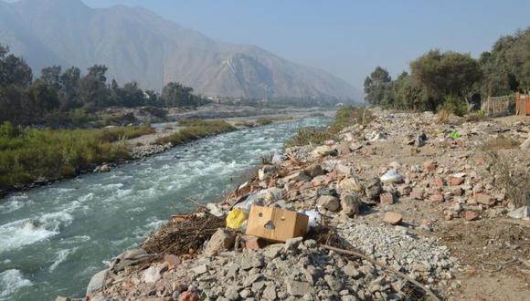 Residuos de mascarillas y guantes aumentaron en ríos tras levantamiento de cuarentena