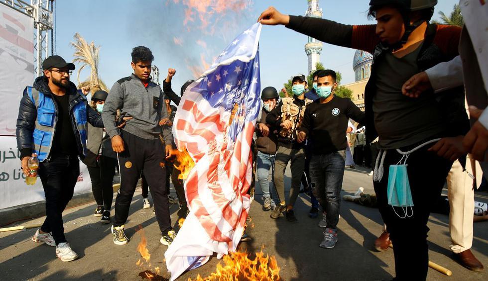 Banderas de EE.UU. son pisoteadas en Bagdad en protesta contra sanciones a  jefe de facción pro-Irán. (Foto: AFP)