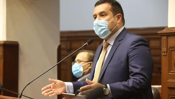 El vocero de la agrupación, Franco Salinas, resaltó que esta es la primera vez que el Congreso seleccionará a los miembros del TC bajo concurso público de méritos. (Foto: Andina)