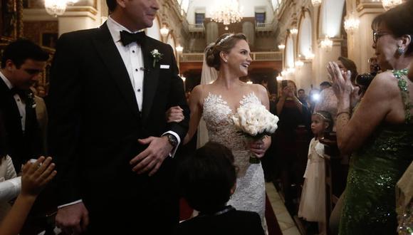UNA MANCHA EN EL ÁLBUM. Luciana León se casó el 11 de noviembre de 2017. De la iglesia de San Pedro se fueron de fiesta al MALI (GEC).