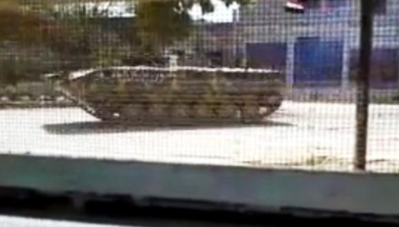 Denuncian que tanques y artillería no abandona las zonas convulsas. (AP)