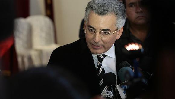 ¿Estará arrepentido de su apoyo? Vargas Llosa hijo critica a Humala. (Rafael Cornejo)