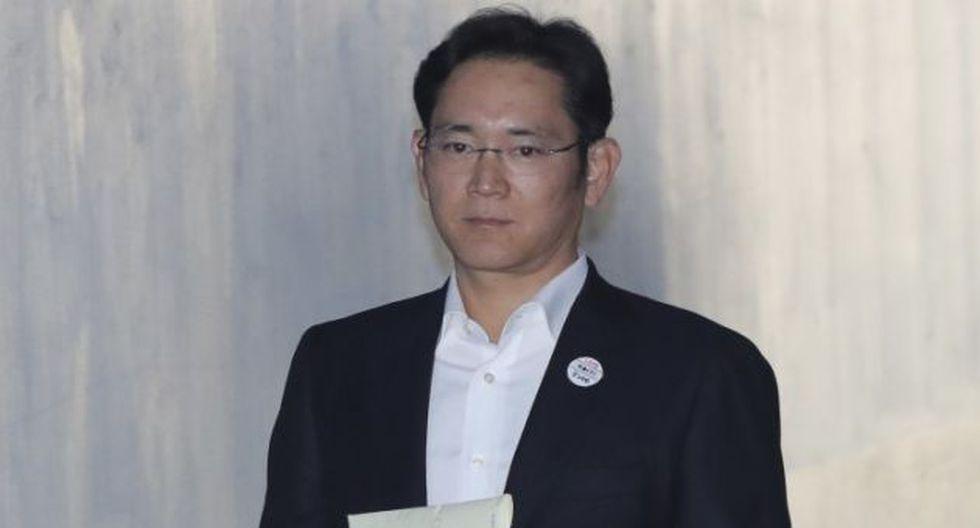 En agosto pasado, el Tribunal Supremo de Seúl le impuso al empresario una condena de cinco años por sobornos, malversación y posesión de activos. (AP)