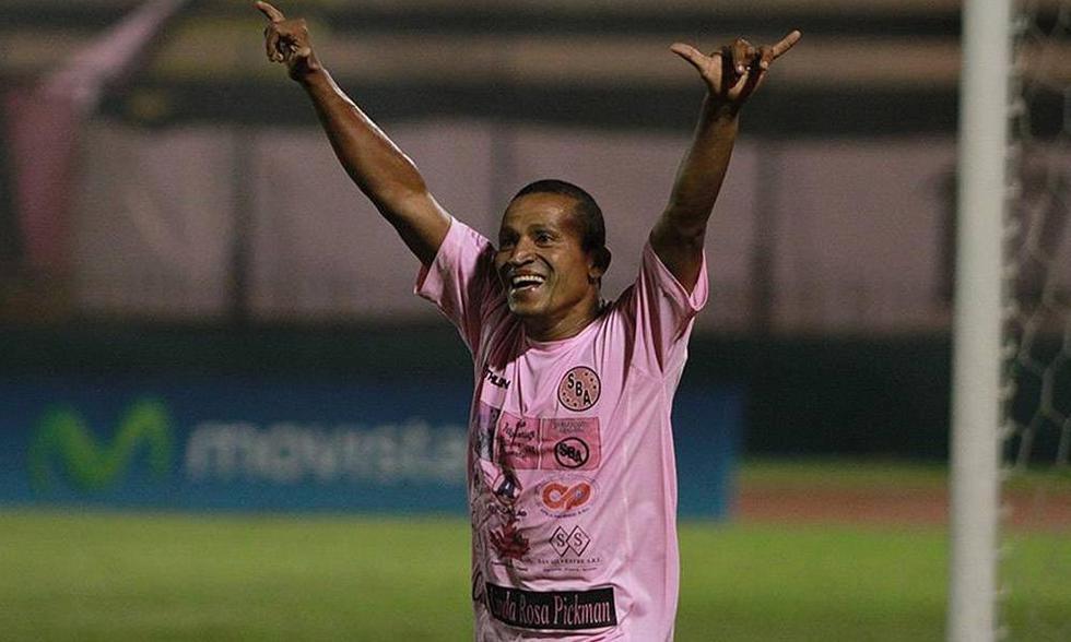 La singular forma con la Kukin conseguía que adversarios le dieran sus camisetas en partidos internacionales. (GEC)