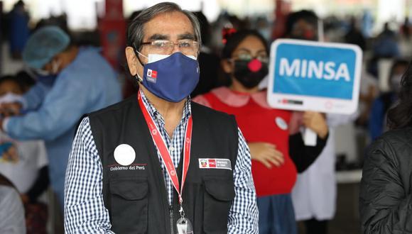 Ministro de Salud realizó dicho anuncio durante su visita al vacunatorio del parque de las Leyendas, en San Miguel. Foto: Britanie Arroyo /@photo.gec