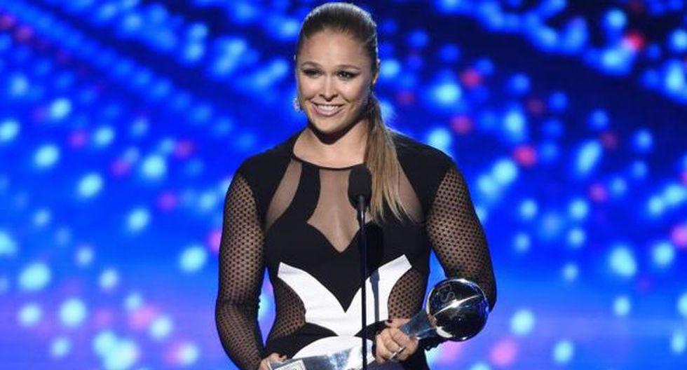 Ronda Rousey venció a Floyd Mayweather en los premios ESPY. (AP)