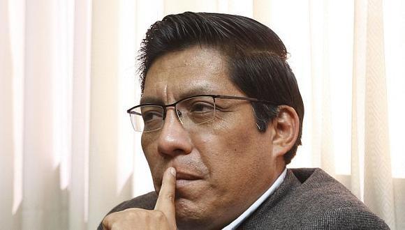 Vicente Zeballos recauda pruebas sobre el caso Rodolfo Orellana. (Mario Zapata)
