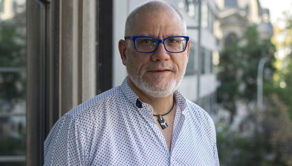 Juan Carlos Cortázar es autor de la novela 'Como si nos tuvieran miedo'. (Foto: Sergio López Retamal).