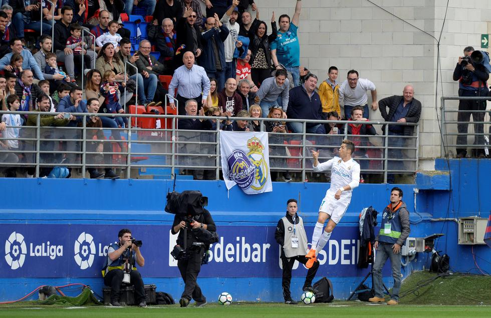Cristiano Ronaldo sentenció la victoria (2-1) de Real Madrid sobre Eibar en Ipurúa con un doblete. (REUTERS)