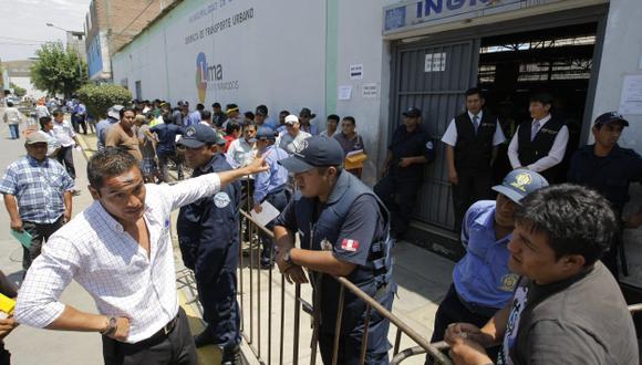 En julio de 2013 se inició el trámite, pero taxistas esperaron la última hora. (Luis Gonzales)