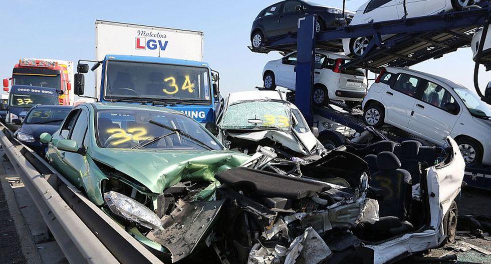 Se informó que por lo menos ocho personas resultaron heridas de gravedad y unas 60 tuvieron lesiones leves. (AP)