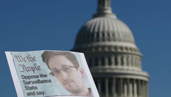 Fallo a favor del espionaje telefónico revelado por Snowden dejó 'complacido' al gobierno estadounidense. (AFP)