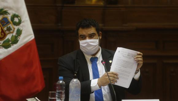 En el ojo de la tormenta. Guillermo Aliaga es el segundo vicepresidente del Congreso y custionamientos lo hunden. (Foto: GEC)