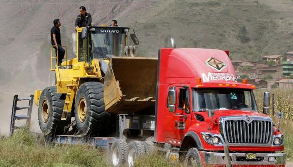 Cusco: Incautan maquinaria pesada usada por la minería ilegal. (Andina)