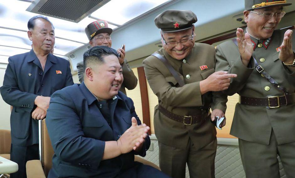Corea del Norte no describió cuáles eran las armas probadas el viernes ni cómo funcionaron, pero dijo que los ensayos fueron exitosos. (Foto: AFP)