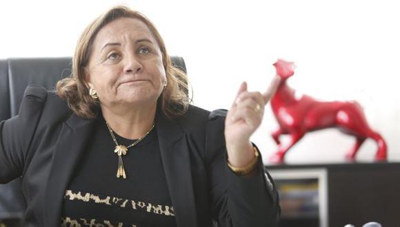 Rosa Núñez cree que Acuña presentó a otra mujer para que arregle situación de su tesis en la Universidad Nacional de Trujillo. (Percy Ramírez)